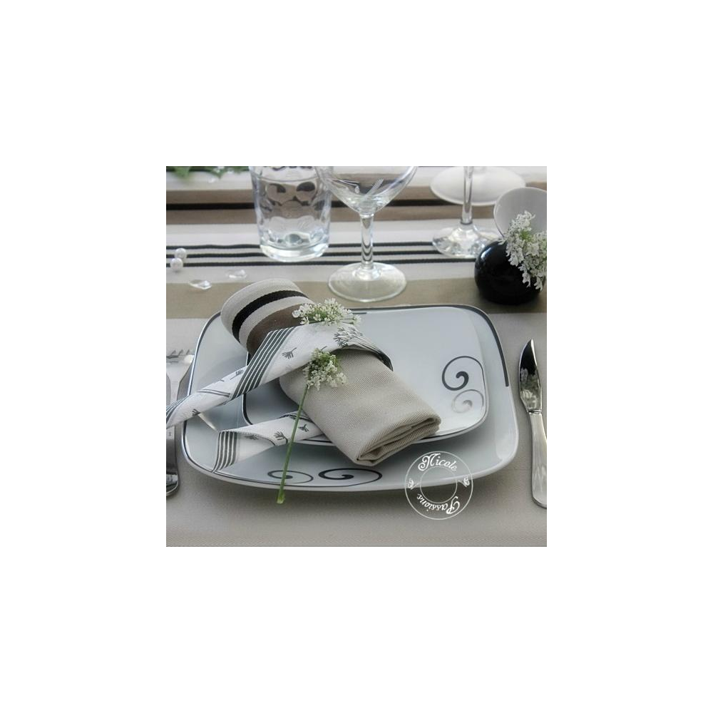 Service de table complet en porcelaine for Vaisselle de table pas cher