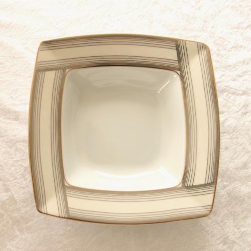 http://www.tasse-et-assiette.com/2367-thickbox/assiette-creuse-215-cm-saxifrage-porcelaine-fine-blanche.jpg