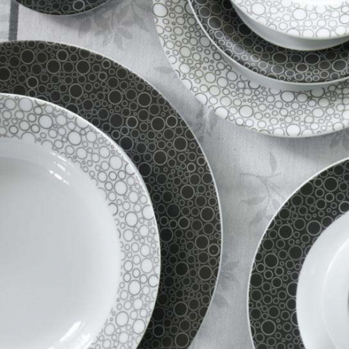 Service complet de vaisselle en porcelaine black or white for Service de table noir