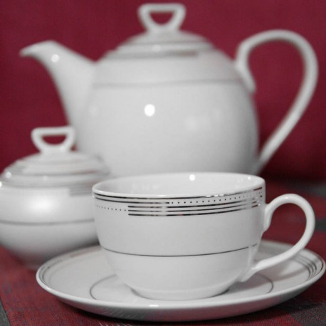 service de table complet, vaisselle en porcelaine blanche galon platine, service à café , art de la table