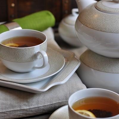services de vaisselle en porcelaine blanche d 39 entretien facile tasse assiette. Black Bedroom Furniture Sets. Home Design Ideas